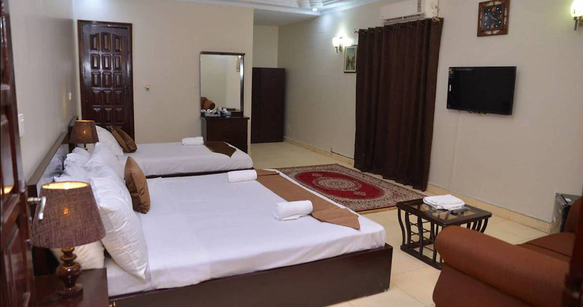cheap hostels in Karachi